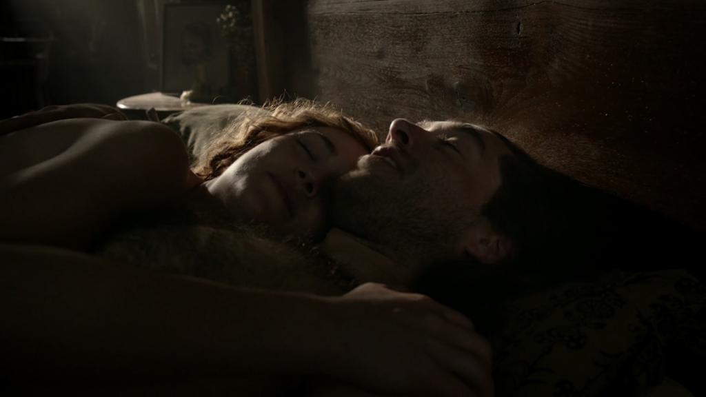 Brianna et Roger au lit Outlander saison 5 episode 5