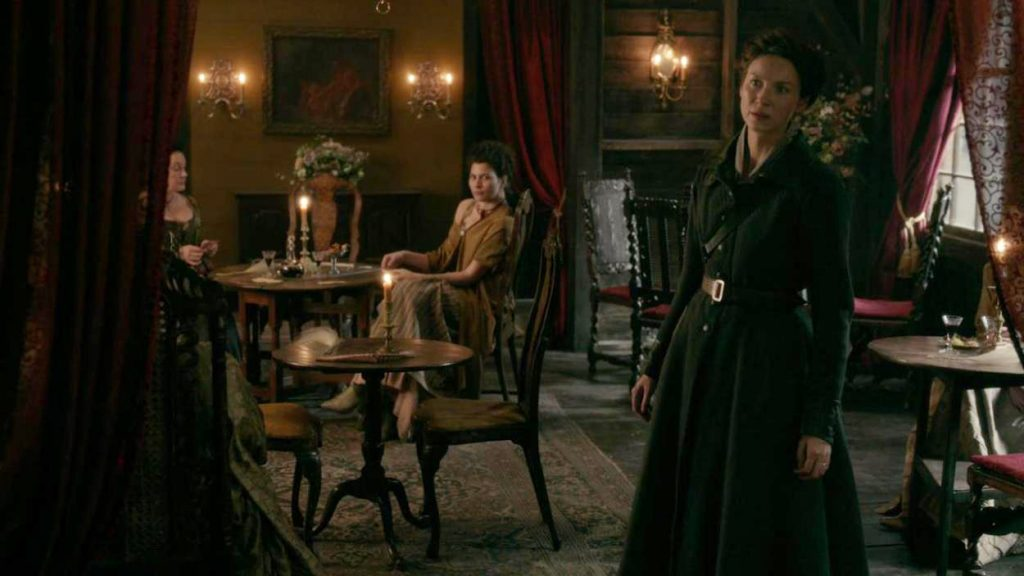 Outlander scène coupée épisode 10 saison 5 Claire Jamie au bordel