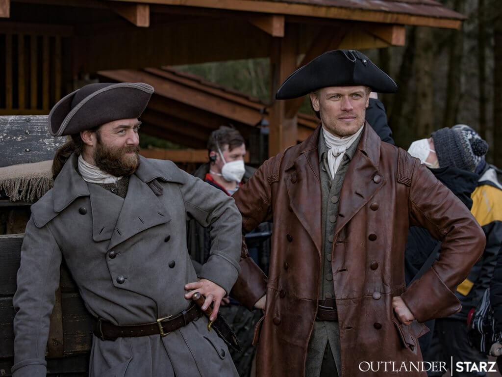 Jamie et Roger en tricorne outlander saison 6